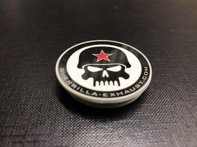 Guerrilla popsocket met zwart-wit Skull logo